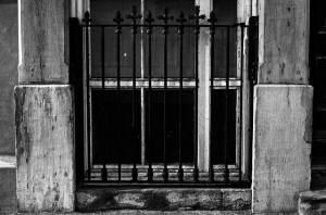 window-63749_640