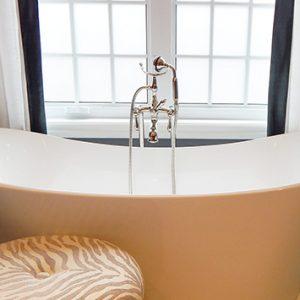 bathtub-902362_1280