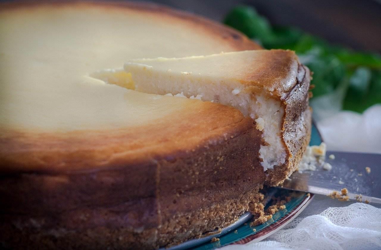cheesecake, table, dessert