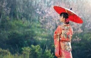 kimono, woman, umbrella-1822520.jpg